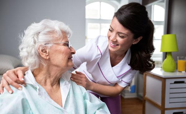 recherche emploi garde personne agee chez particulier