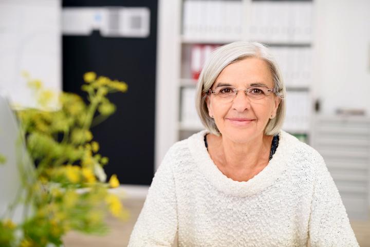 trouver un emploi apres 65 ans